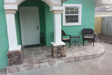 5817 Pinetree - Southern Beauty! Just by the beach - Panama City Beach - House