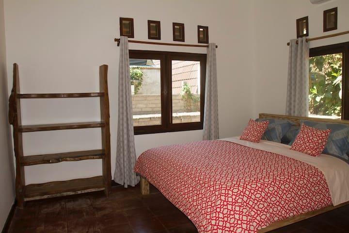 Bedroom 2 - king