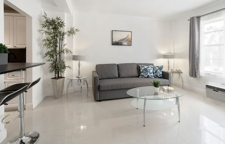 ⭐ South Beach One Bedroom apt| Internet| Cable  ⭐
