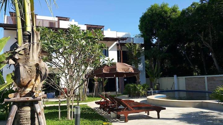 Villa 2Br Oasis Garden and Pool