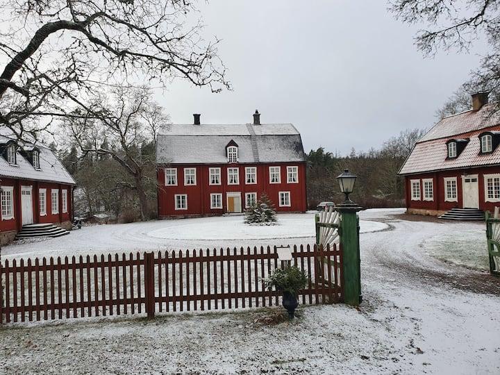 Lägenhet på herrgård nära Norrköping