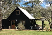 Cowboy's Cabin on Wollombi Brook, Hunter Valley
