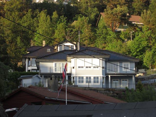 Luxury villa only 12 min from Bergen city center - Bergen - Villa