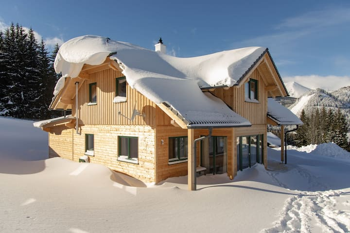 Magnificent Chalet in Hohentauern with Whirlpool & Sauna
