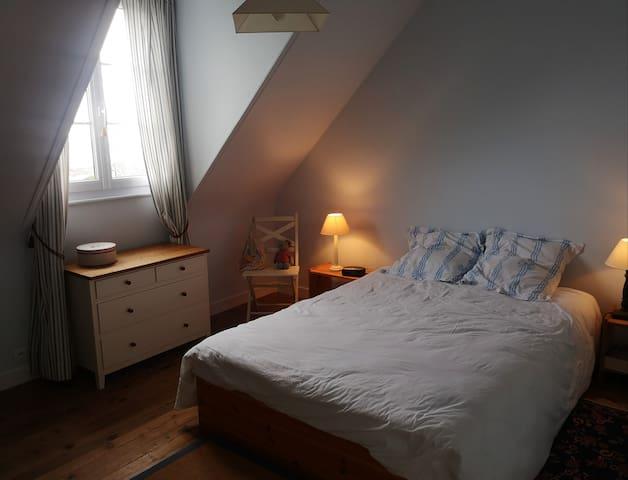 Chambre parentale 12 m2 à l'étage
