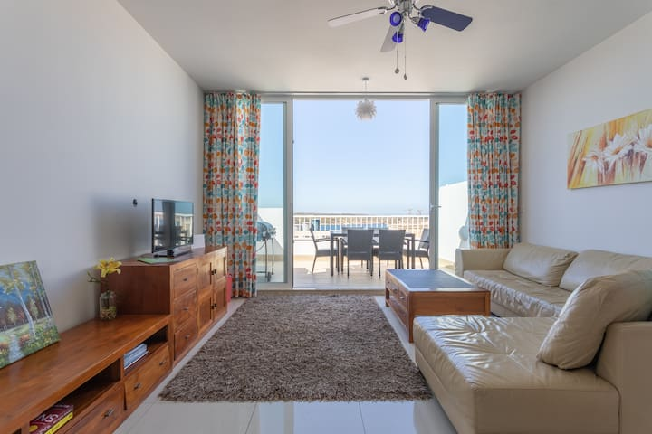Sea view penthouse in Mellieha