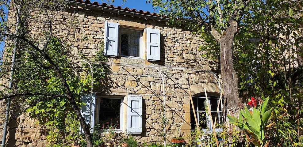 Maison chaleureuse de 88 m2, Saint Rome de Tarn