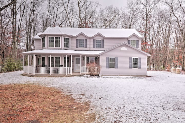 NEW! Waterfront Poconos Home w/ Dock & Game Room!