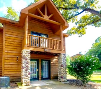Starved Rock Rustic Retreat