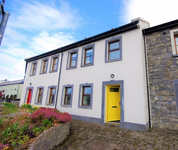 3 bedroom Townhouse in the heart of the Burren