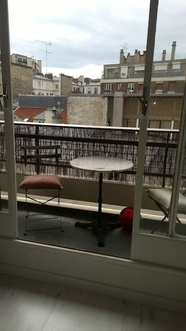 balcon pour dîner dehors