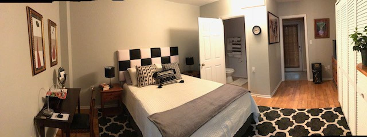 Charming Midtown Suite
