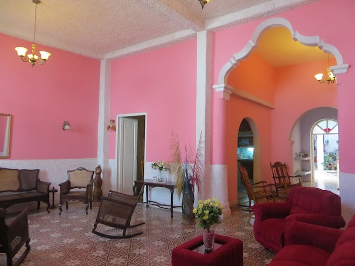 Casa Naranja Rm2: Colonial Central