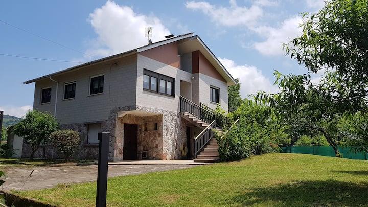 Casa El Cuto, centro Asturias