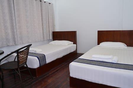 Twin room with shared bathroom 1 - Янгон - Гестхаус