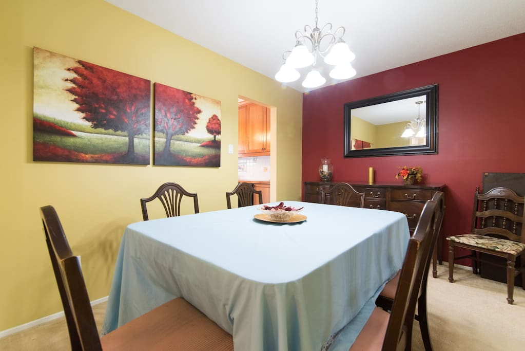 Formal dining room with 2 table leaves