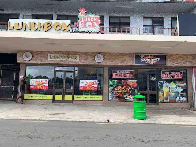 Namaka 超大房间独立卫生间,靠近机场,附近有大超市,菜市场,商业街,电影院,海边码头和楠迪镇