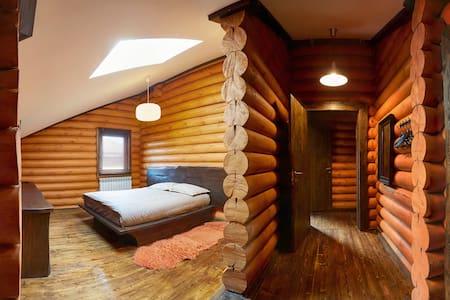 Номер с двухместной кроватью - Wikt i opierunek