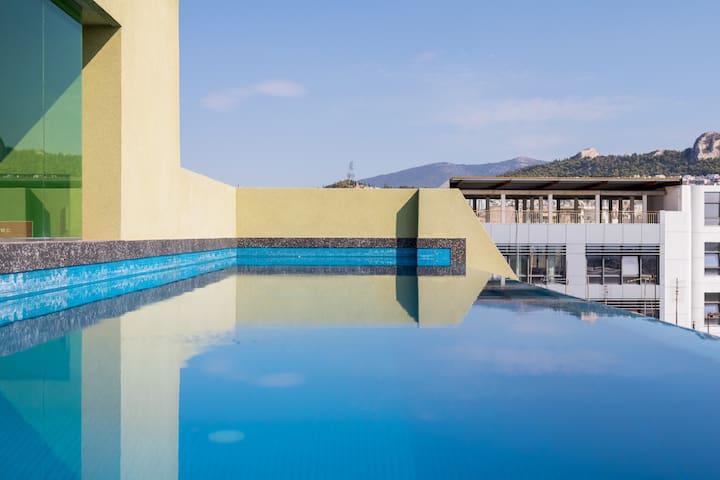 2Bdrm Apt with pool-Athens Center