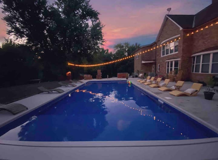 Quiet Farm Holiday'cation with Heated Pool&HotTub