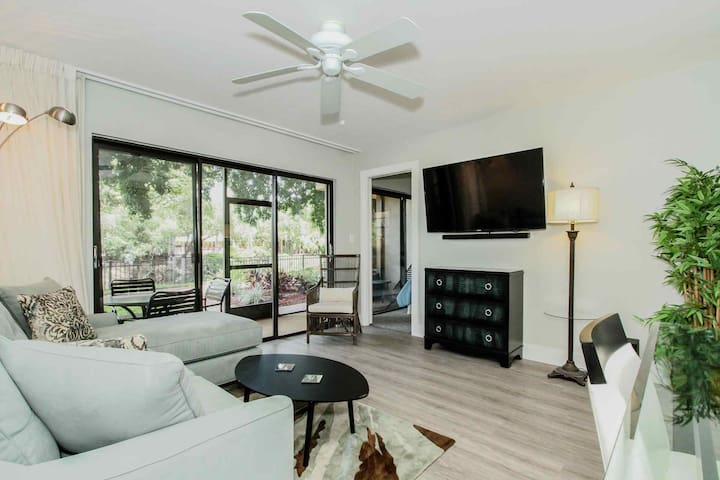 Completely renovated main floor unit with high end furnishings & designer touches throughout!