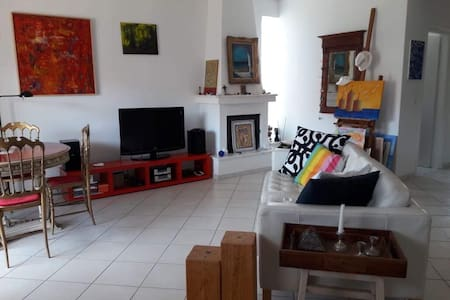 Beautiful & stylish apartment near beach, Samos