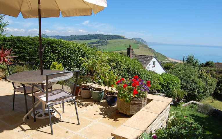 Stunning Seaside Studio - Charmouth - Apartment