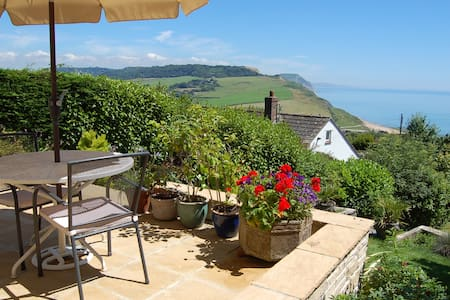 Stunning Seaside Studio - Charmouth