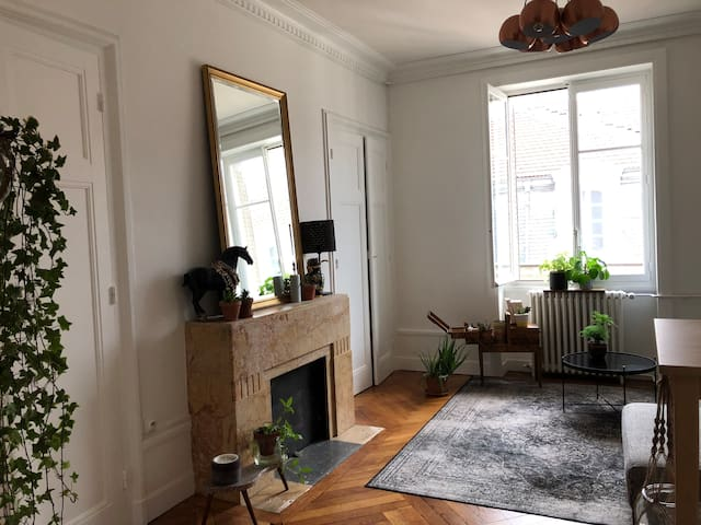 Chambre calme sur cour au dernier étage