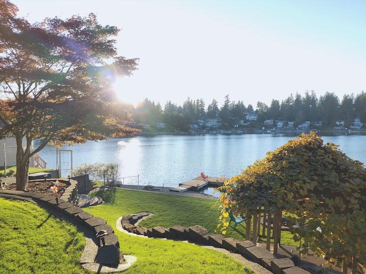 Lakefront living! 2 bedroom retreat on Lake Louise