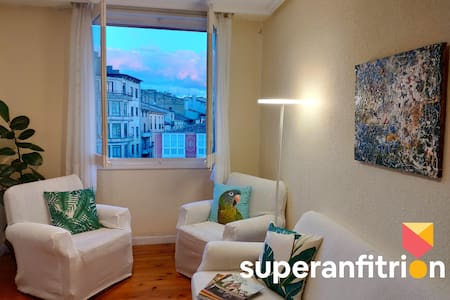 HARO: Gorgeous apartment overlooking main square