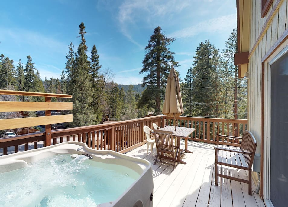 Private Hot Tub w/ Slope Views!