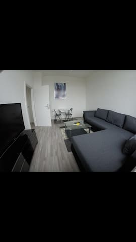 CLEAN & CENTRAL 2 ROOM APPARTMENT
