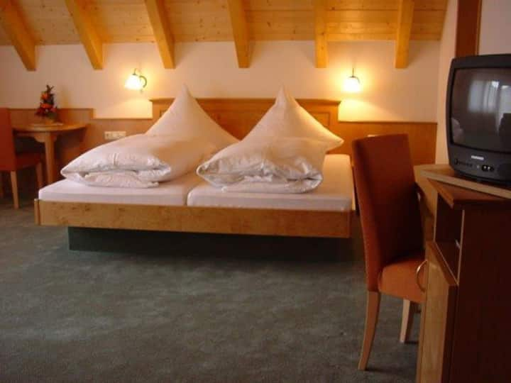 Gasthof Zum Schützen, (Elzach-Oberprechtal), Einzelzimmer mit Dusche und WC