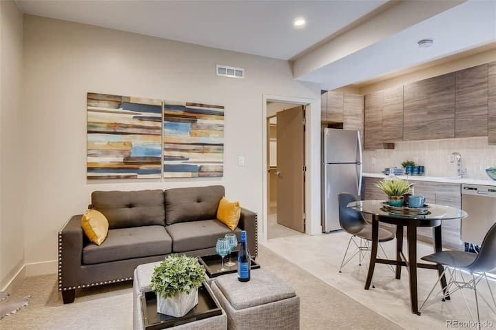 Private Apartment Minutes from Downtown!