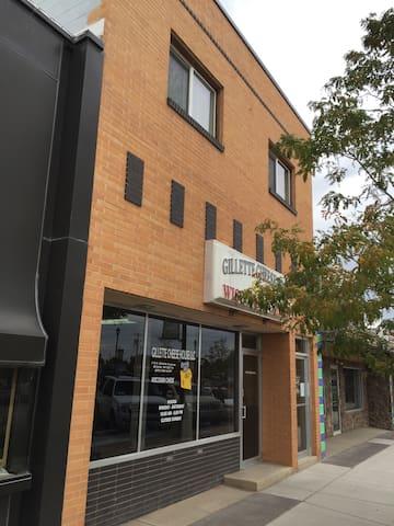 Lodo Loft 1 - Historic Downtown Gillette WY