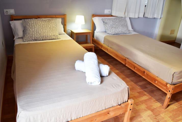 dormitorio doble con baño en suite planta superior