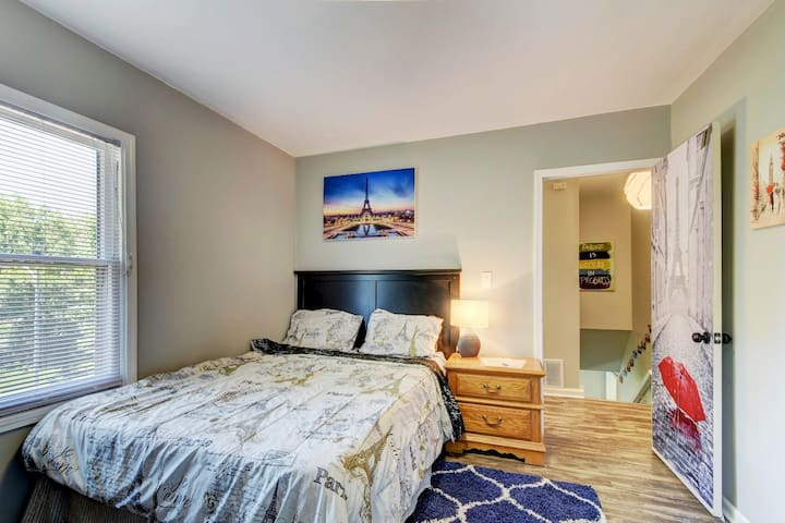 Spacious Bedroom near Downtown and I-480 #1