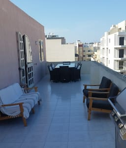 Penthouse * King Size Bed * Big Outdoor Terrace - L-Imsida