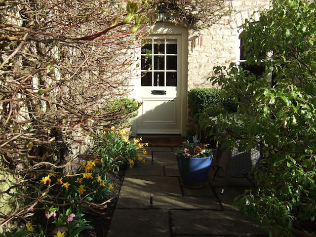 Beautiful Stylish Cotswold Cottage Perfect for Two