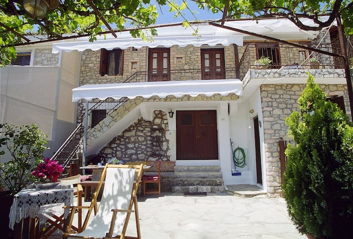 Ionian Lyre Guesthouses - Chord - Asprogerakata - House