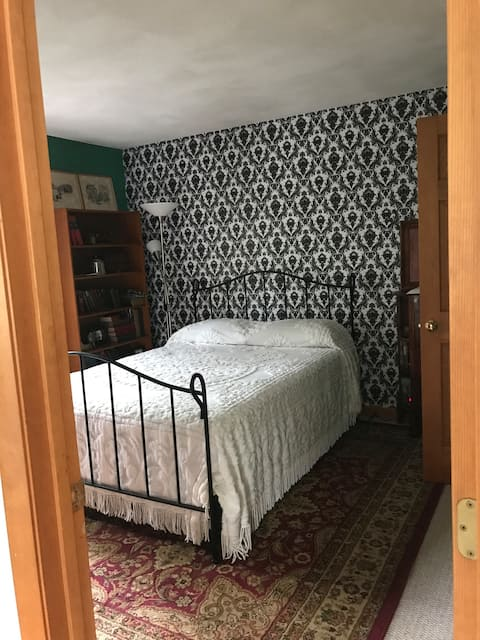 Whole Suite Home in Reading, MA (Sherlock theme!)