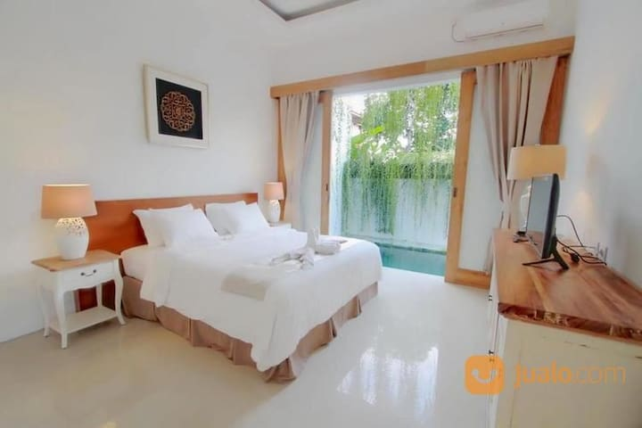 1 Bed pool villa in a huge Balinese garden complex