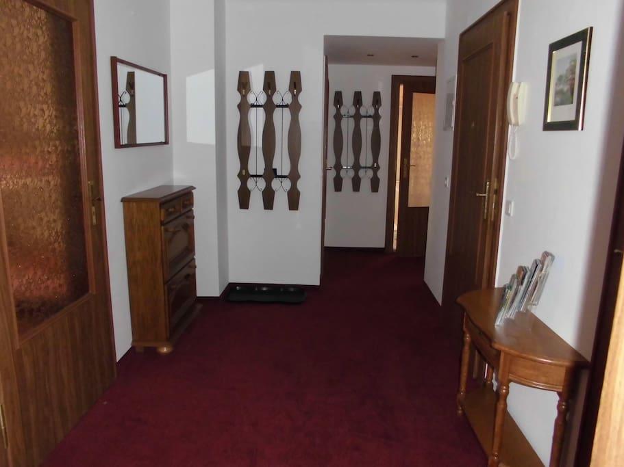 Eingangsbereich, von hier sind alle Zimmer separat erreichbar