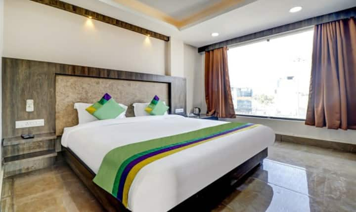 Hotel Bikalal near to all attractions.