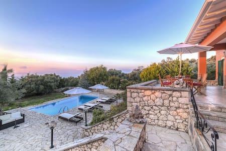 Villa Lithari  privacy, serenity, harmony - Tsoukalades