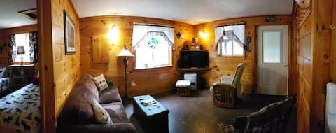 Private Cozy Cabin in Jackman, Maine