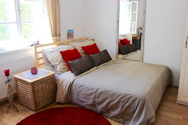 Comfortable privateroom in the citycenter of Krems