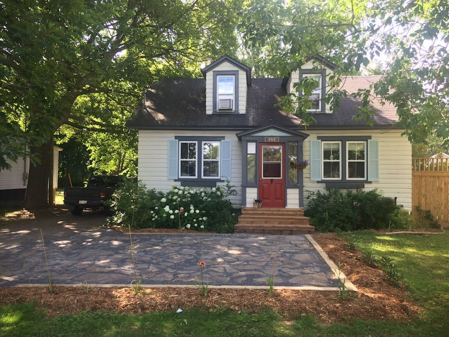Cozy cottage style home maisons louer fredericton for Maison style cottage