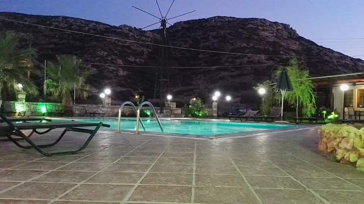 Matala Dimitris Villa and Hotel